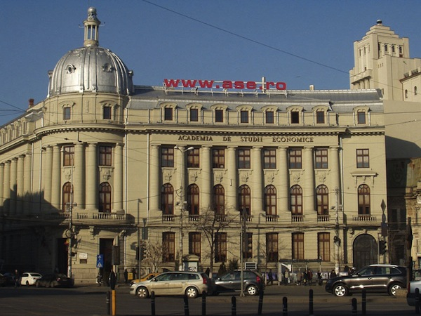 Academia de Studii Economice scoate examenul de admitere pentru sesiunea din toamnă