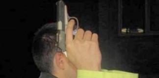 Focuri de armă în Buzău: Polițiștii au încercat să oprească un șofer băut, care a cauzat avarii în incinta unei benzinăriii