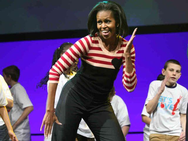 """Michelle Obama """"cântă"""" pentru un stil de viață sănătos"""