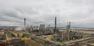 Scăderea vânzărilor de carburanți a afectat afacerile Rompetrol Rafinare dar pierderile istorice s-au redus
