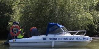 Tulcea: Turiști aflați pe o ambarcațiune în derivă pe un lac, salvați de polițiștii de frontieră