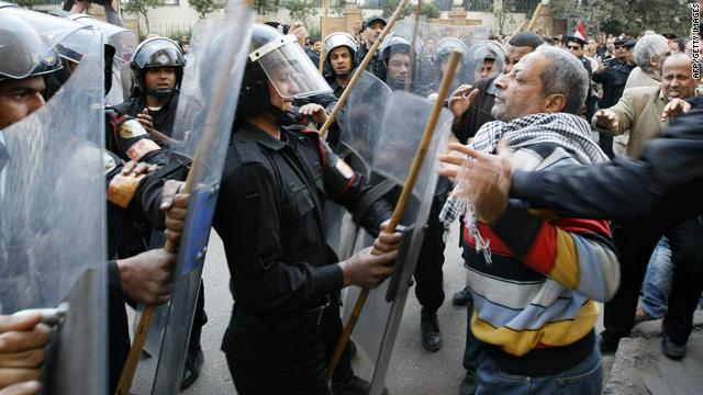 Emiratele Arabe Unite şi Bahreinul sprijină Cairo