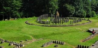 Bărbat trimis în judecată pentru braconaj arheologic la Sarmizegetusa Regia, prejudiciul fiind 2,5 milioane euro