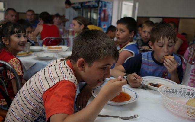 Baia Mare: 40 de copii aflați în tabără, au ajuns la spital cu toxiinfecție alimentară