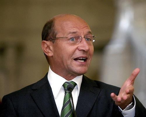 Băsescu: Nu vom accepta niciodată teoria drepturilor colective pentru minorități