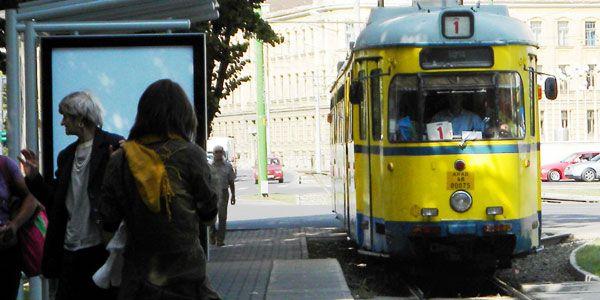 Arad: Un tramvai a luat foc în trafic, în timp ce transporta aproximativ 20 de călători