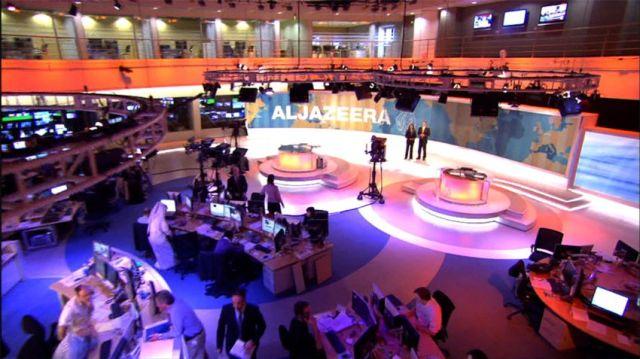 Egipt: Justiţia a ordonat închiderea televiziunii Al-Jazeera şi a canalului Fraţilor Musulmani