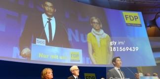 Conducerea liberalilor germani demisionează după eşecul în alegeri