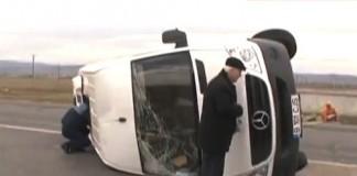 Două persoane au murit, după ce un microbuz şi un tir s-au ciocnit pe Şoseaua de Centură a Capitalei