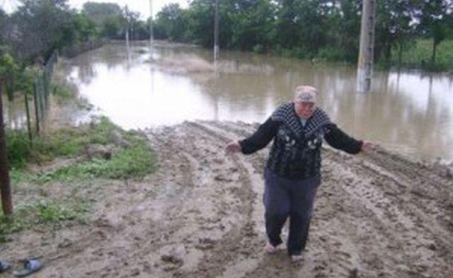 Bilanț oficial după inundațiile din Galați: 9 morți și 1.800 de case afectate