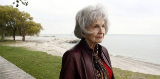 Premiul Nobel pentru Literatură 2013 a fost acordat scriitoarei canadiene Alice Munro