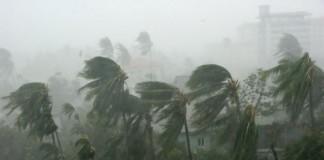 Alertă de ciclon pe coasta de est a Indiei