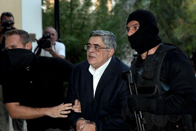 """Grecia: Liderul partidului Zori Aurii, arestat preventiv pentru """"conducerea unei organizaţii criminale"""""""