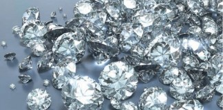 Unde ar putea ploua cu diamante?