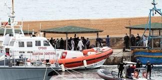 Căpitanul navei naufragiate lângă insula Lampedusa a fost reținut