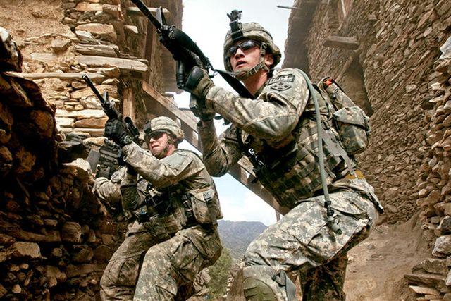 Retragerea soldaților americani din Afganistan s-ar putea face prin Ro