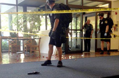 seatle - atac armat campus
