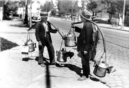 Vanzatori_petrol_lampant