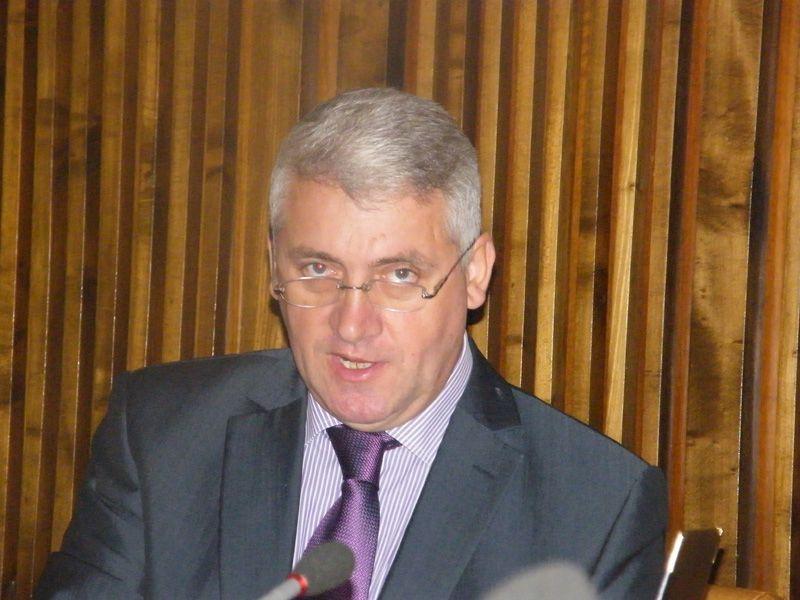 Adrian Țuțuianu: Dacă vom fi sesizați, verificăm activitățile SRI referitoare la prezidențialele ...