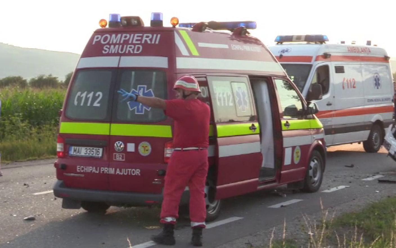 accident, harghita, un mort, 21 raniti