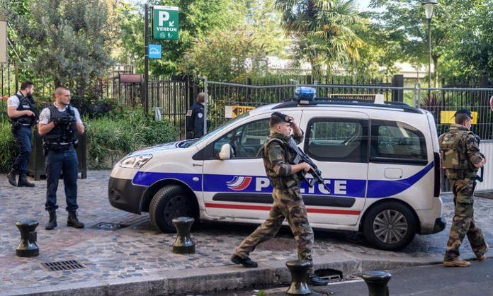 atac terorist, franta, doi raniti, femeie