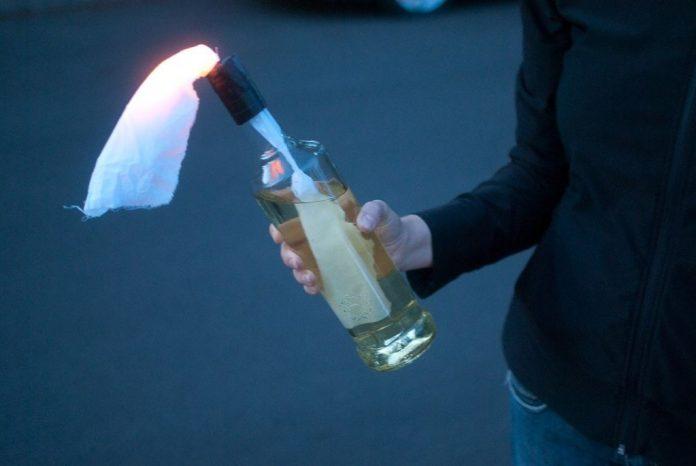 suspect retinut, atac, sediul psd timis, cocktailuri molotov