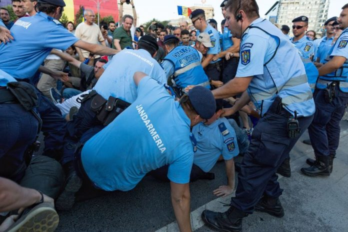 proteste jandarmi