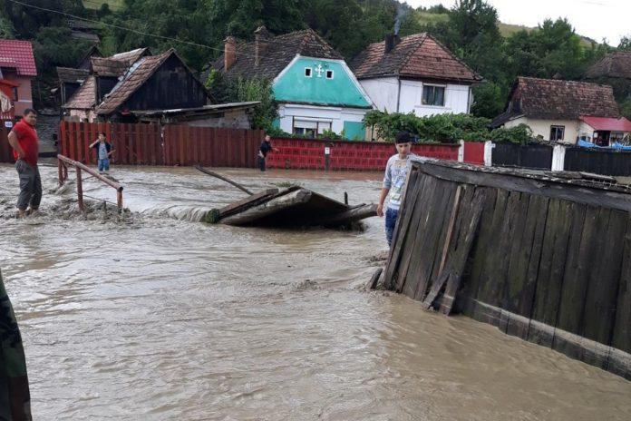inundatii, gospodarii distruse, ministrul de interne